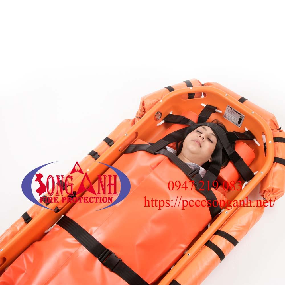 cáng cứu thương trên biển