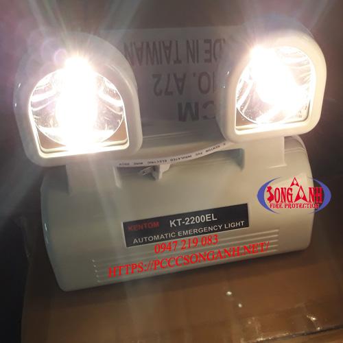 đèn sạc chiếu sáng sự cố Kentom